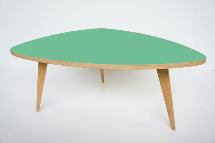 Les 100 meilleures images du tableau meubles vintage et for Table basse scandinave vert d eau