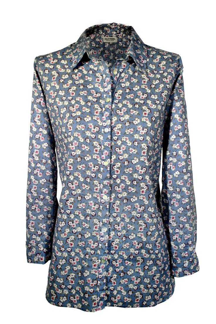 Camisa mujer con estampado floral azul, flores www.oldridel.com