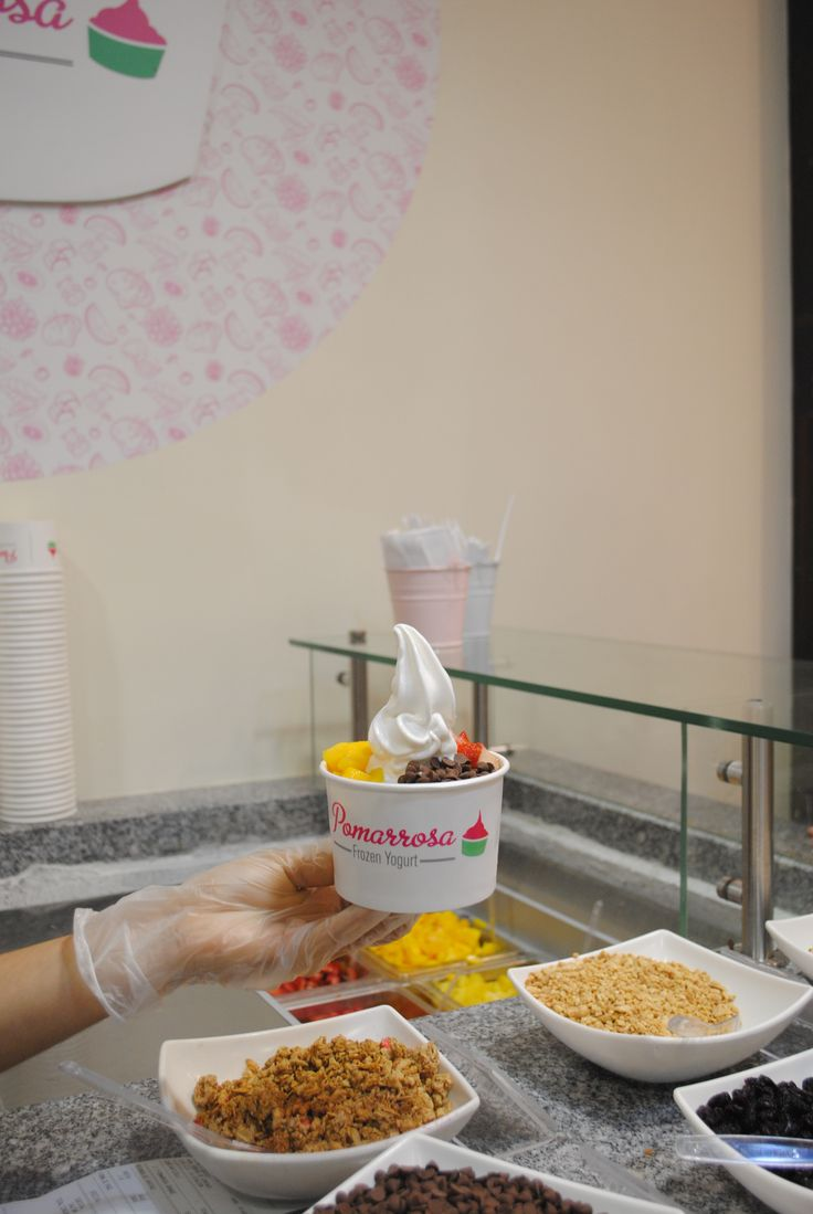 No hay límite de combinaciones, puedes combinar los toppings como lo imagines. #Frozenyogurt #pomarrosafrozenyogurt #elplacerdecomersano #combinacionperfecta #elplacerdecomersano