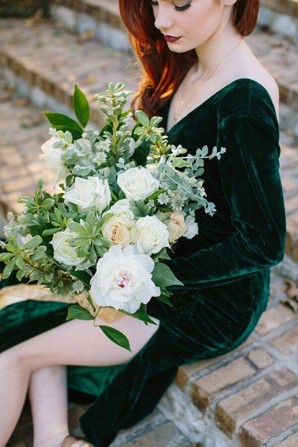 emerald-gold-wedding-bride-bouquet