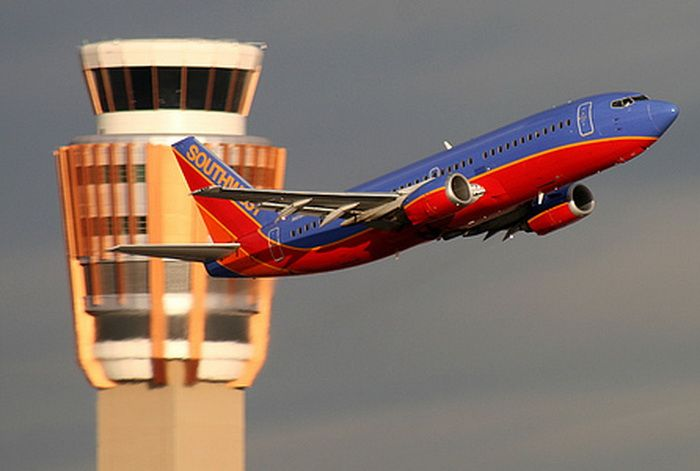 Southwest Airlines Pilot Broadcasts RANT For Flight Attendants Over ATC Radio - VIDEO ON REFERRING WEBSITE http://aviationnewstoday.com/