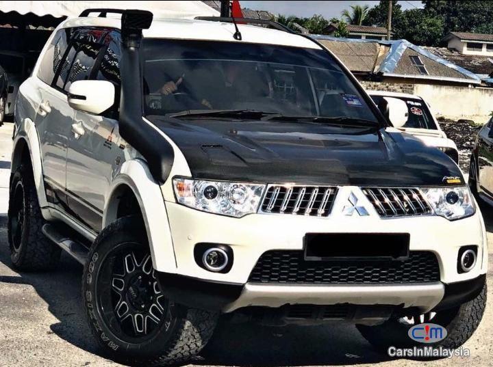 Mitsubishi Pajero Sport 2 5 VGT 4WD SAMBUNG BAYAR CAR