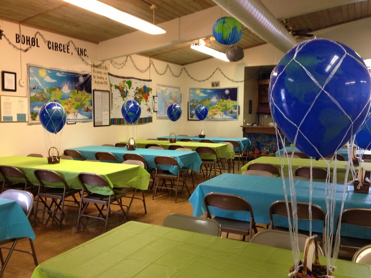 Globe hot air balloon centerpiece for travel themed party for Around the world party decoration ideas