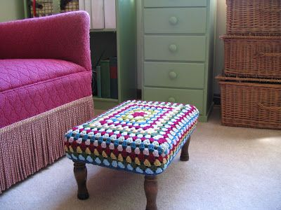 Today I wanted to revisit the 'recovered' footstool  project...   A couple readers had a question about how I created the boxed shape to fit...