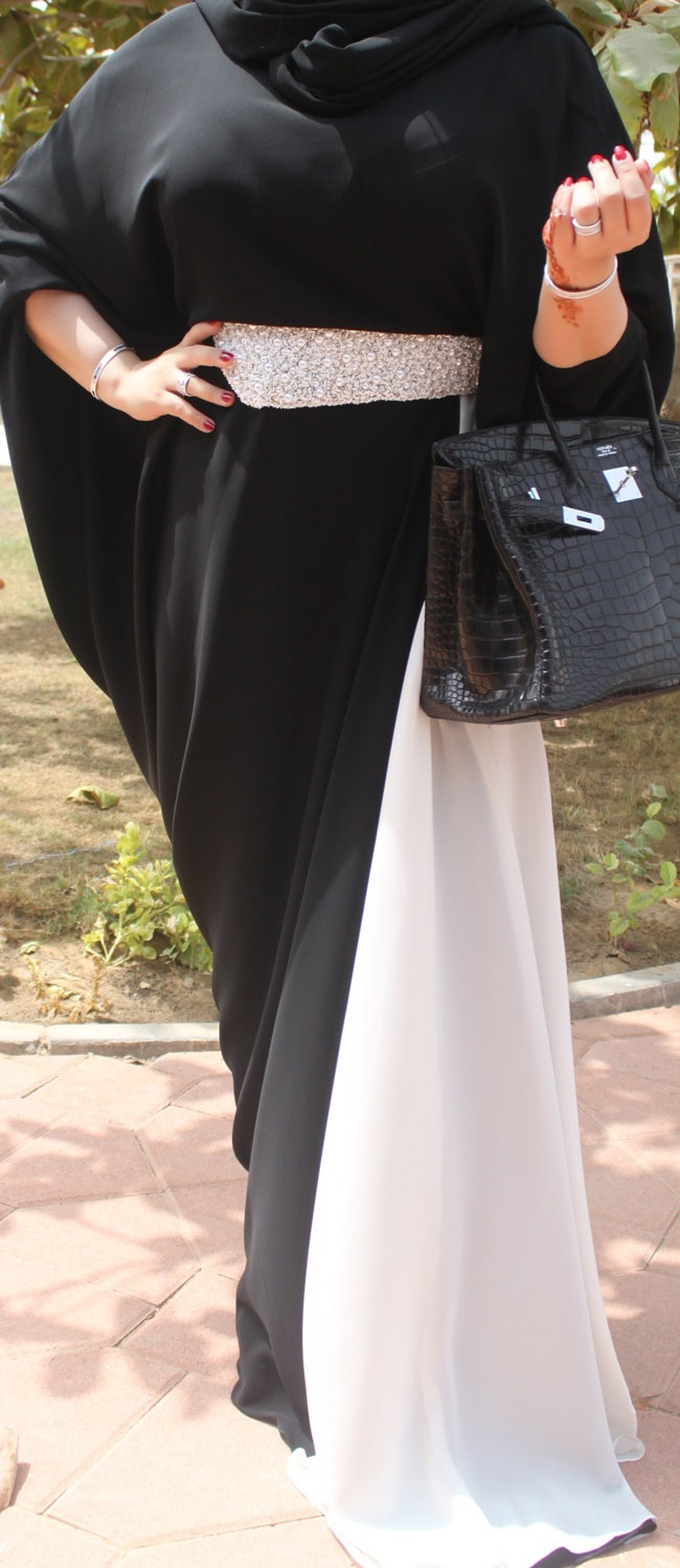 Picture 1307 « Emirati style: This is how we do Eid » La Moda Dubai | The UAE's authoritative source for all things fashion, beauty, celebrity, and glamour.