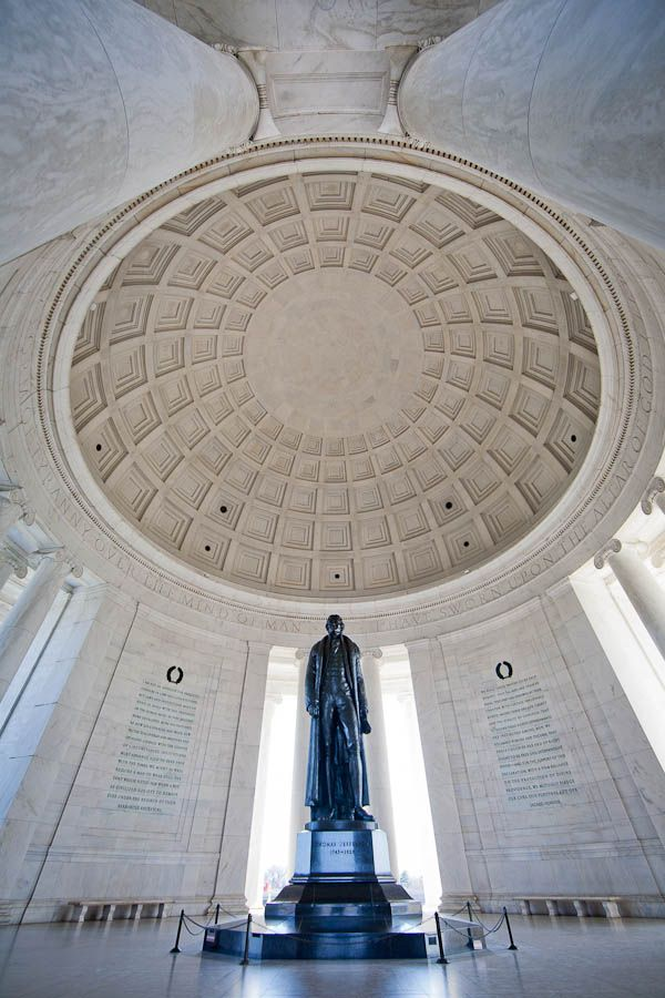 Stunning view of the Thomas Jefferson Memorial in Washington DC, photo by Thiel Harryman.