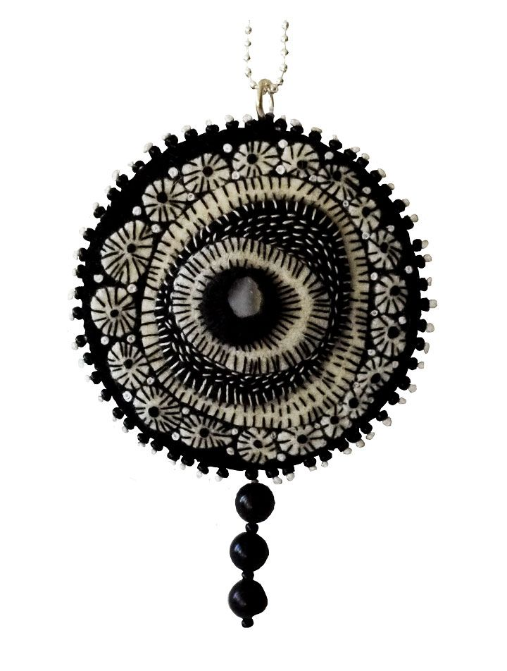 Necklace with embrodery, pearls with a silverchain