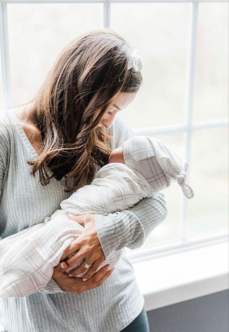 Beste Baby-Geschenkideen, Mama und ich, frisch 48 Neugeborene Fotos – Countdown …   – Newborn Essentials