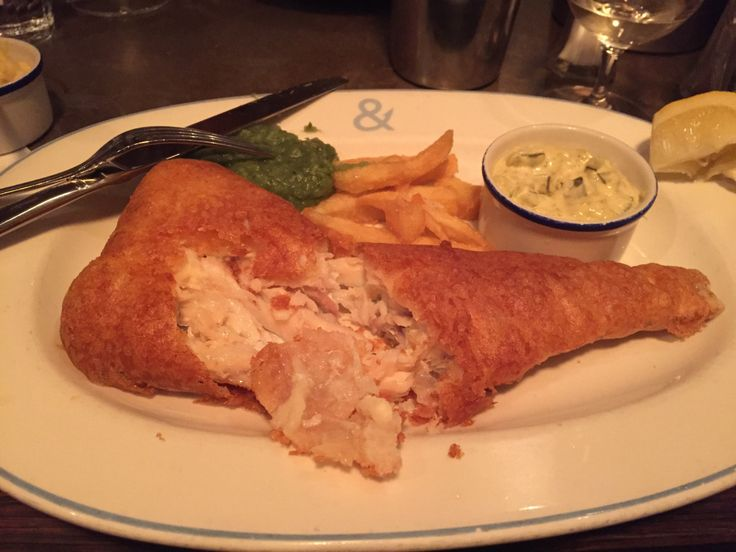 I love fish & chips, but getting a decent fish & chip supper in London can be an utter bitch, can't it? Gastropub fish & chips are... hit and miss (at best), and seafood restaurants ei...