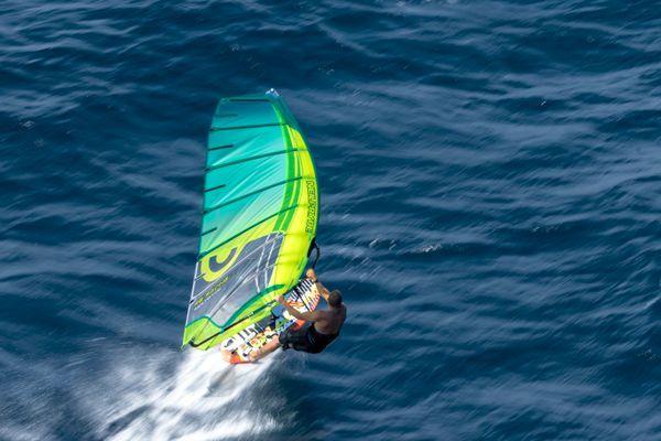 Das Hellcat von NeilPryde für höchste Geschwindigkeit im Lowwindbereich. www.surfer-world.com.  #Surferworld #windsurfen #kitesurfen #surfing#standuppaddling #sup #wakeboarden #sport#naish #rhein #bodensee #stuttgart #berlin#münchen #köln #düsseldorf #hannover #ostsee#Nordsee #sonne #meer #party #leipzig#cabrinha #strand #wakeboarding #jp #shopping #newarrivals