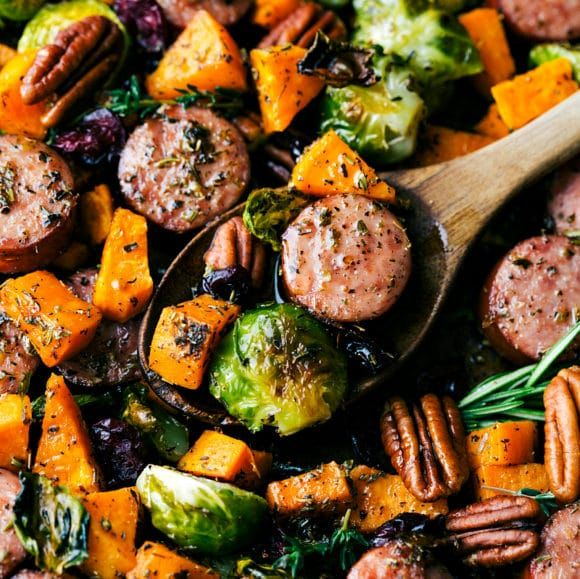 Easy Tin Foil Pack Butter sausage with garlic and vegetables. A delicious meal that takes …   – Main Dishes