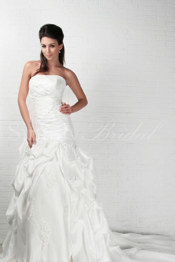 Henrietta Gown Indoor Ceremony Gowns And Trumpets
