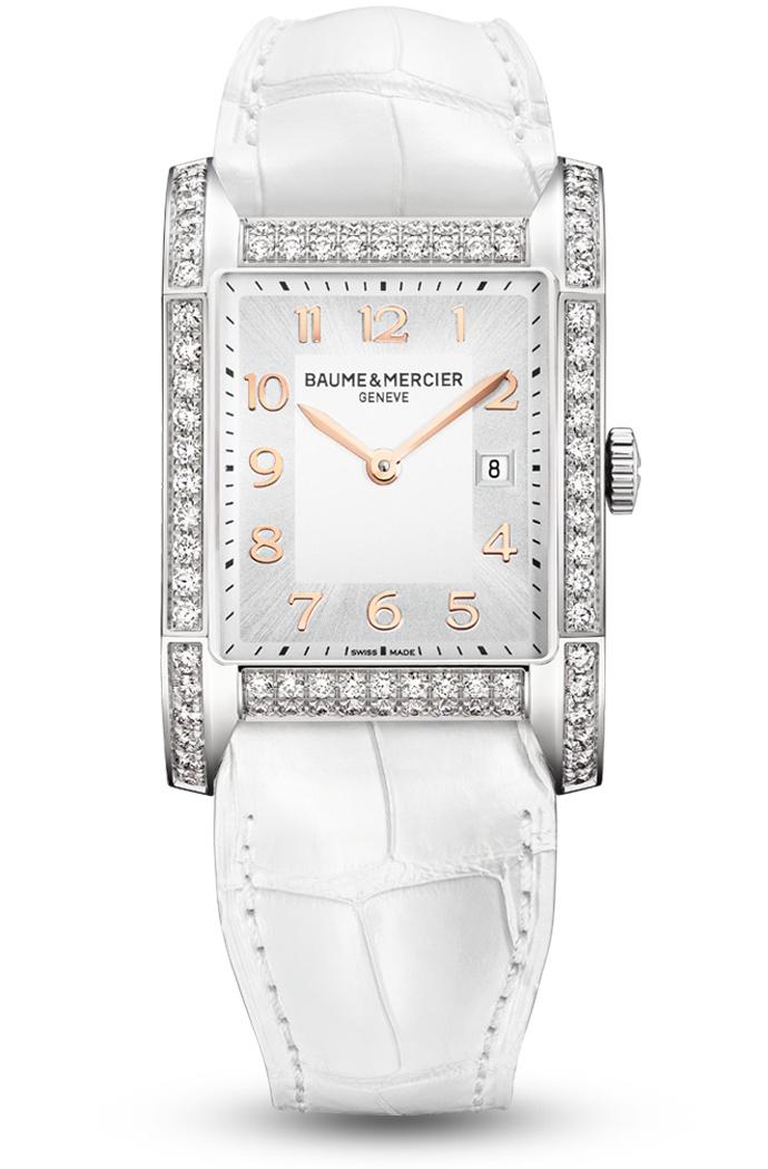 Descubra el reloj blanco para mujer, con diamantes y de forma rectangular, Hampton 10025, diseñado por Baume et Mercier, fabricante de relojes suizos.