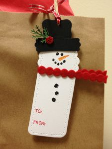 Two tags die - snowman | SU Cold Play (retired), SU Decorative Label Punch, SU Modern Label Punch, SU Two Tags Bigz Die, World Market felt ribbon, MS branch punch