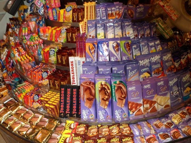 Variedad de chocolates y alfajores #Argentina