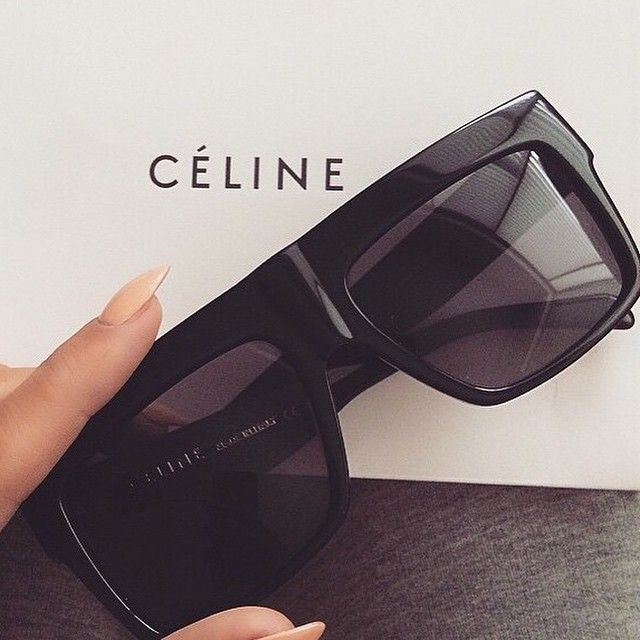 The perfect shades for all year round! Celine ZZ-Top in Black ✔️
