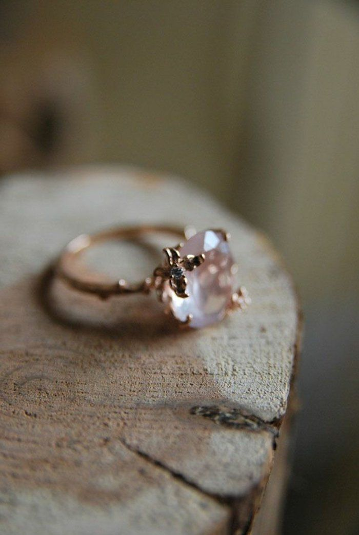 la meilleure bague de fiançailles pas cher avec diamant rose