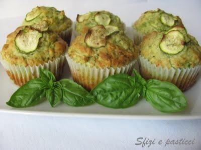 Sfizi e pasticci: Muffin zucchine e pesto