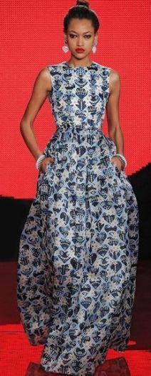 les 25 meilleures id es de la cat gorie robe africaine moderne sur pinterest robe africaine. Black Bedroom Furniture Sets. Home Design Ideas