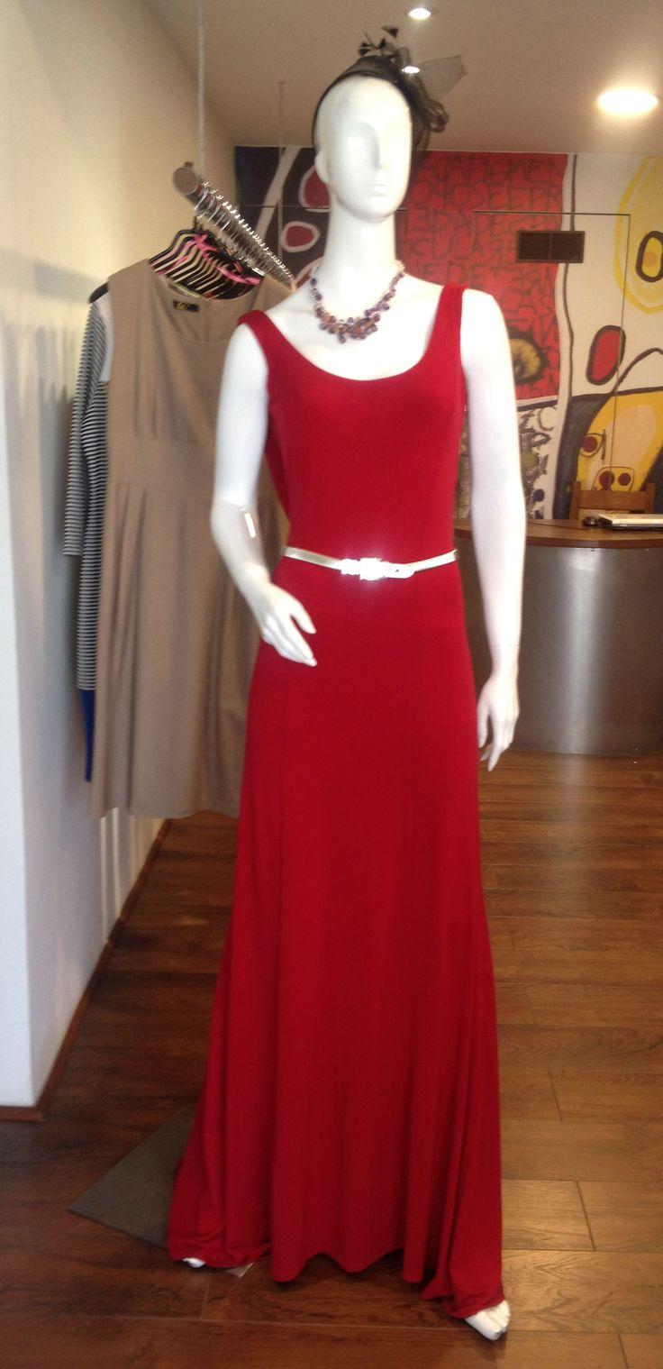 Vestido Largo, sin espalda , distintos colores. USA.