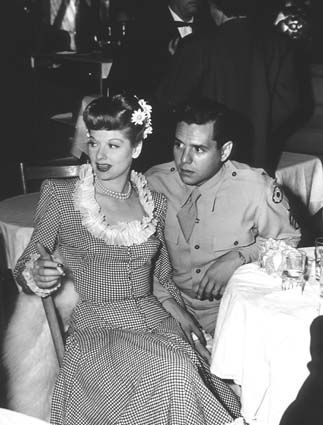 1000 images about lucille ball on pinterest stan laurel for How tall was lucille ball and desi arnaz