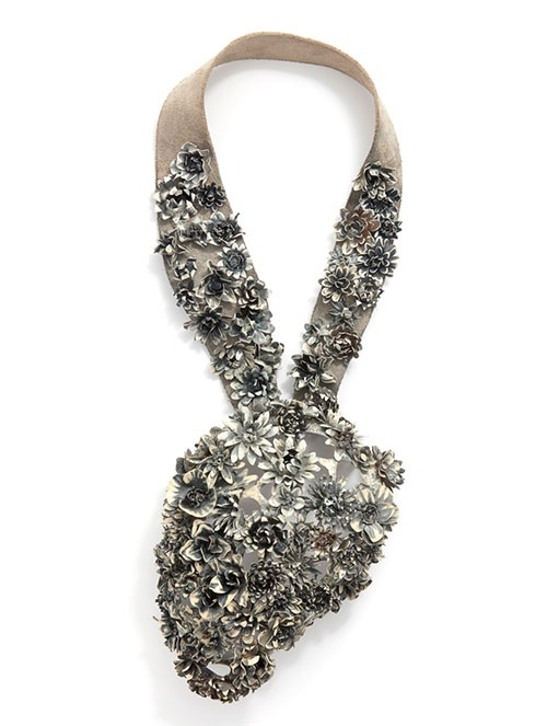 Klimt02: Hanna Hedman: Black Bile Stockholm Sweden exhibitions unique custom jewelry custom handmade jewellery exhibitions