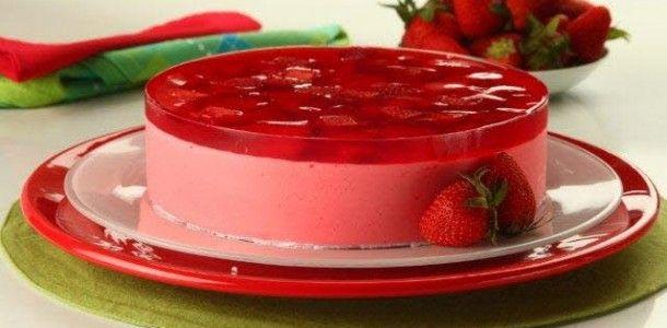 Torta mousse de morangos especial