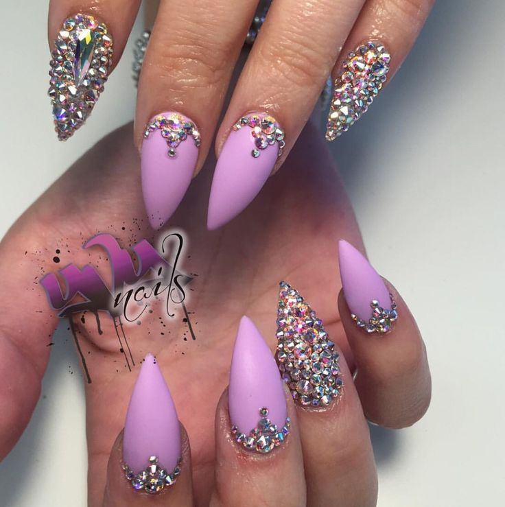 Best 25+ Pink bling nails ideas on Pinterest | Bridal ...