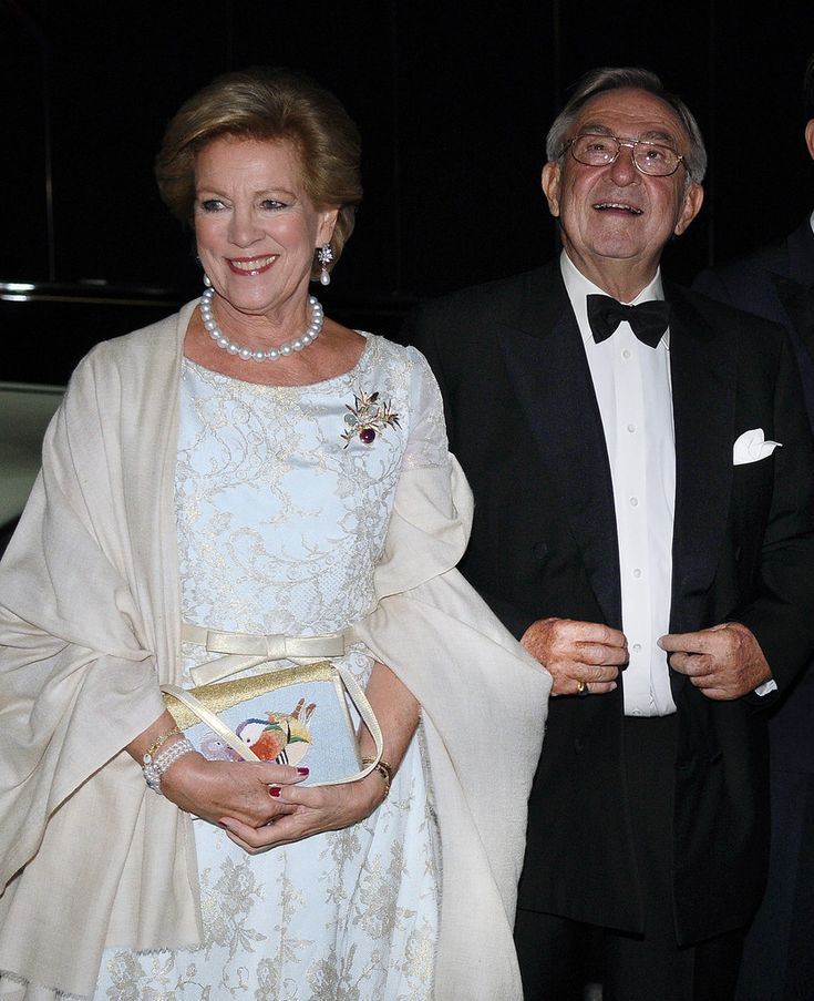 Former King Constantine II of Greece and former Queen Anne-Marie of Greece, arrive for a private dinner organized by former King Constantine II of Greece and former Queen Anne-Marie to celebrate their Golden wedding anniversary at the Yacht Club of Greece in Piraeus, Greece, 18 September 2014.