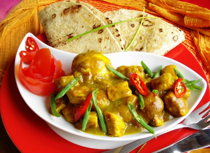 Roti Masala Trafasie (Sandhia's roti met speciale kip op masala saus)