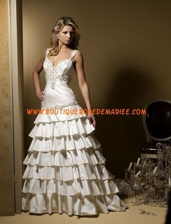 Robe de mariée avec bretelles jupe en cascade