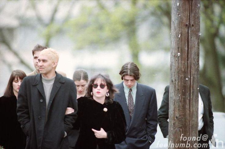 Nirvana Pat Smear Dave Grohl Krist Novoselic Kurt Cobain Funeral