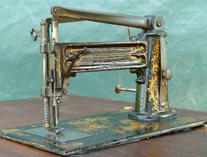 Miniature Sewing machine, fine Victorian Machine Design - steampunk  (Image)