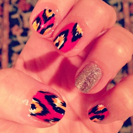 Nails Art, Awesome Nails, Beautiful, Art Design, Glitter Ikat Nails, Perfect Polish, Nails Ideas, Feathers Nails Design, Hair