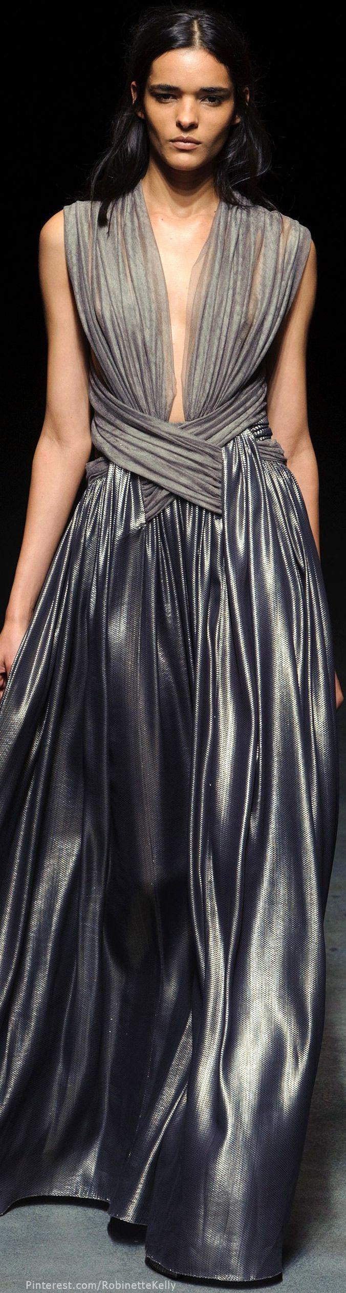 Défilé Yiqing Yin Printemps-été 2014 Haute couture
