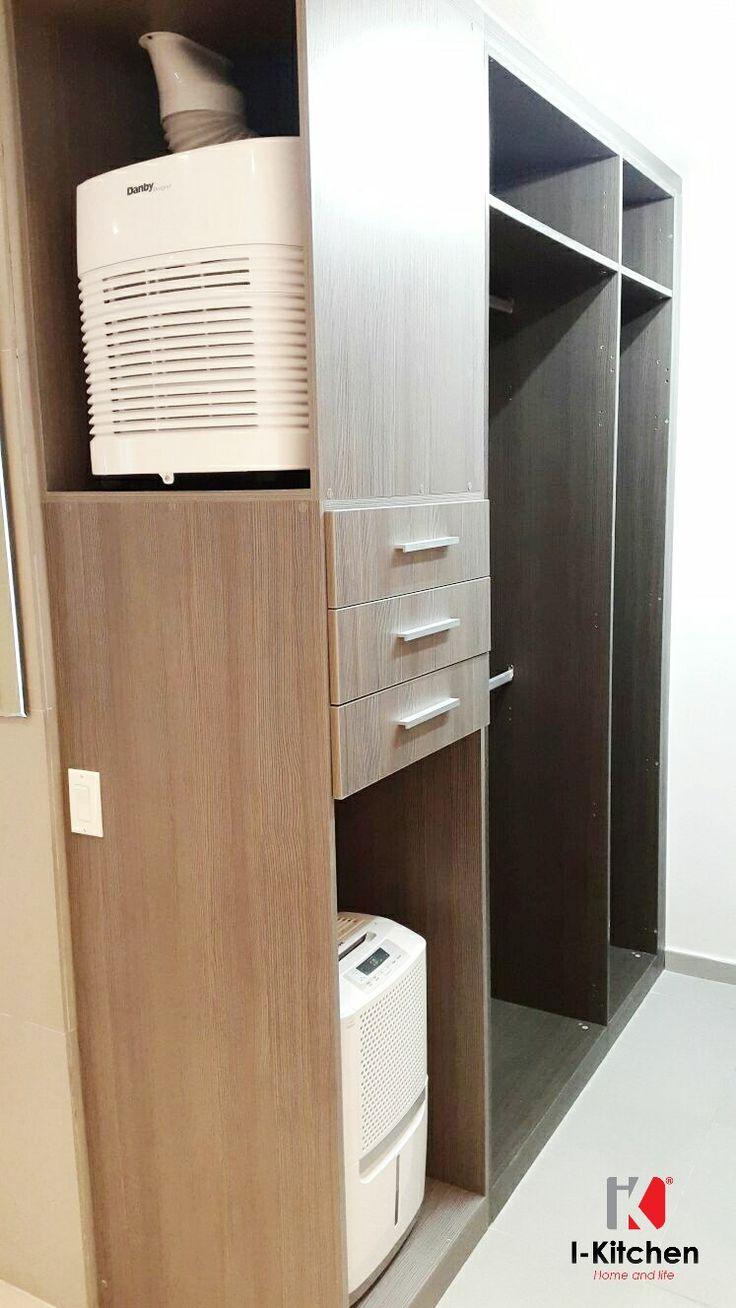 Walk in closet con espacios para deshumificador y aire