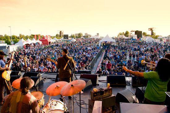 Ottawa Tourism : Summer Bluesfest Concert. © Dwayne Brown