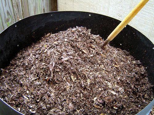 Ideas de decoración para implementar con poco dinero. Miren:  http://www.visitacasas.com/jardin/preparacion-de-un-abono-casero-para-las-plantas/