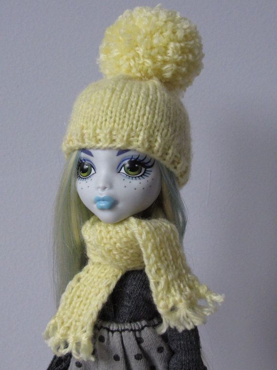 Knitted yellow set of hat and scarf for lati yellow pukifee monster high and similar size 5'-6' head dolls