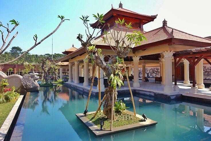 Wantilan lobby and the ponds at Padma Resort Ubud.