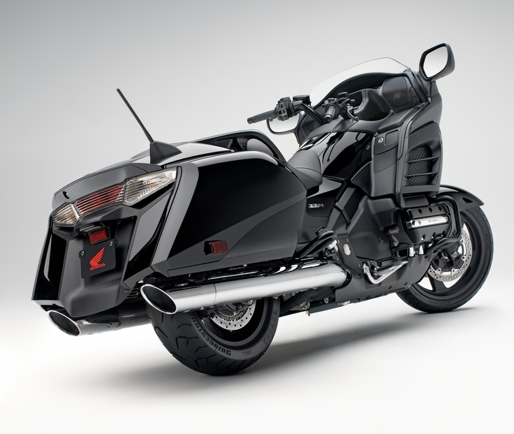 MY LUXURY NOTEBOOK: Honda Gold Wing F6B/Gold Wing F6B Deluxe - 2013