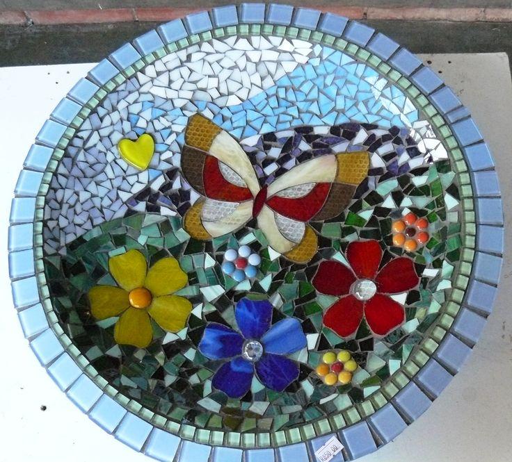 1000 Ideas About Mosaic Tile Table On Pinterest: 25+ Best Ideas About Mosaic Birdbath On Pinterest