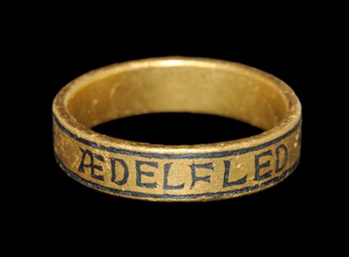 Anglo-Saxon Gold Ring of Aedelfled, 10th CenturyWith owner's inscription in Insular script '+ÆDELFLED+MIE+Ah' (for Æðelflæd me ah 'Æ. owns me').