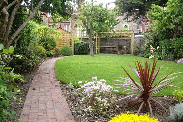 Creating a gorgeous garden is a great way to improve your home.
