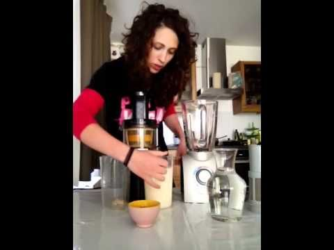 Faire son lait végétal à l'extracteur de jus - YouTube