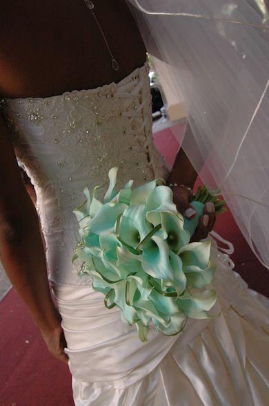 aqua: Wedding Flowers, Flower Photos, White Weddings, Photo Galleries, Bride