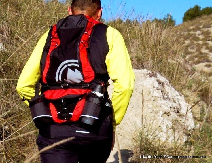 Mochila trail running Berg: Kit Lynx Mochila 10L + Riñonera 5L. Análisis y prueba 250k por Kike de Diego.