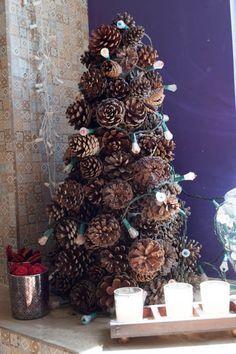 Como fazer uma árvore de pinhas para o Natal