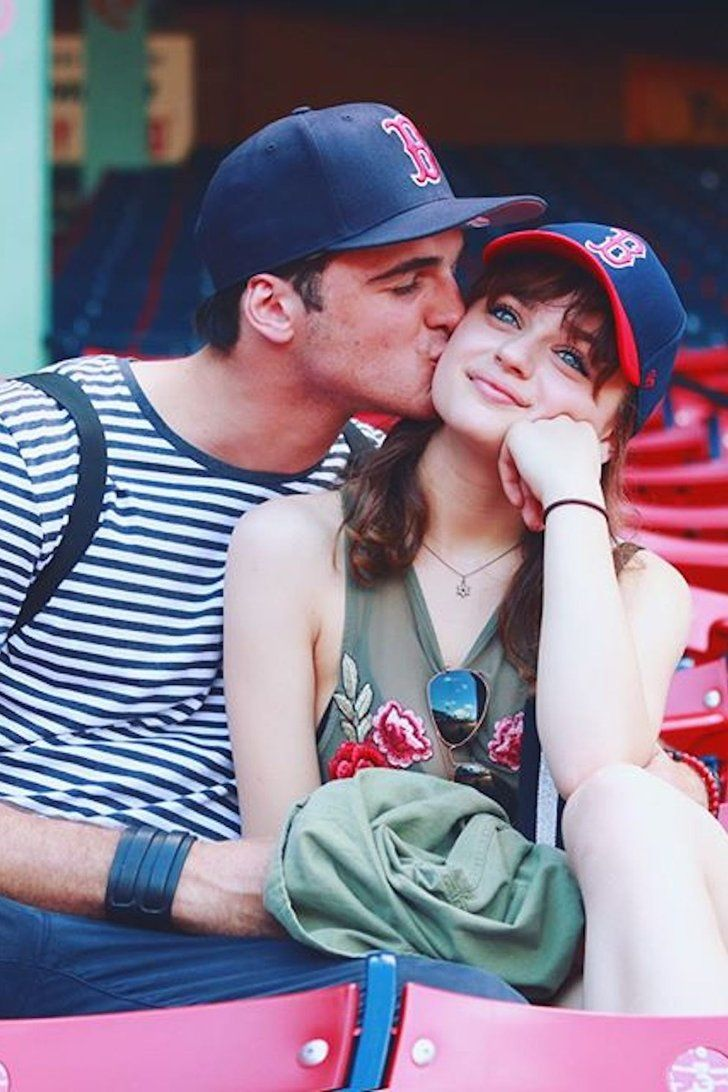 22 Adorable Pictures Of Real Life Couple And The Kissing Booth