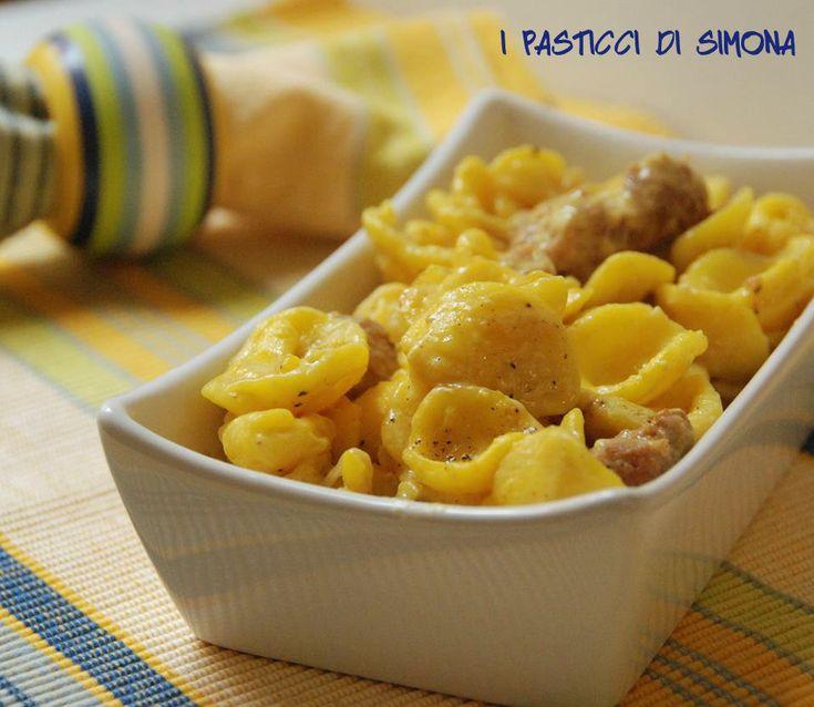 Orecchiette salsiccia e zafferano - pasta salsiccia e zafferano - primo piatto con salsiccia e zafferano
